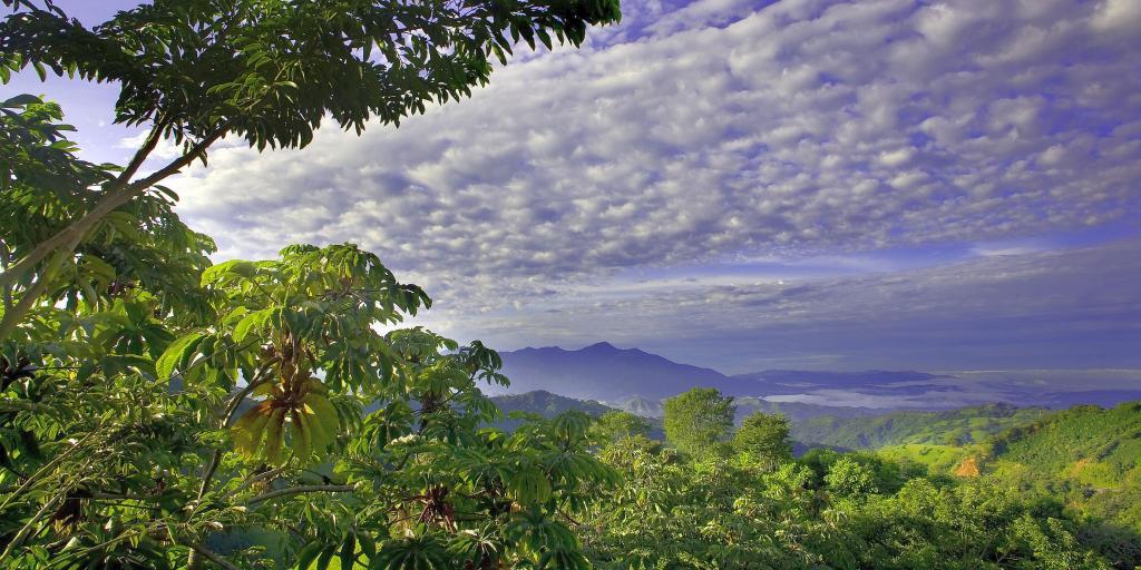 Wandern in Costa Rica - Karibische Strände und Vulkanlandschaften entdecken