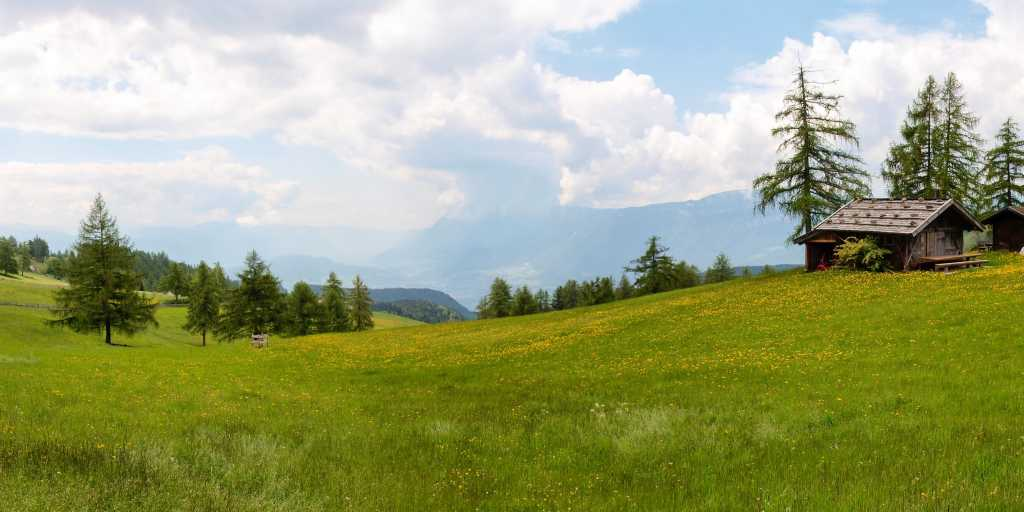 Wandern in Südtirol -  Bergwelt der Dolomiten erleben