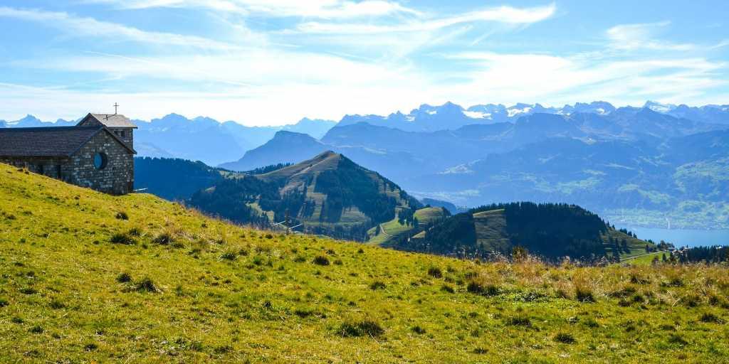 Wandern in der Zentralschweiz - eine wildromantische Landschaft zu Fuß entdecken