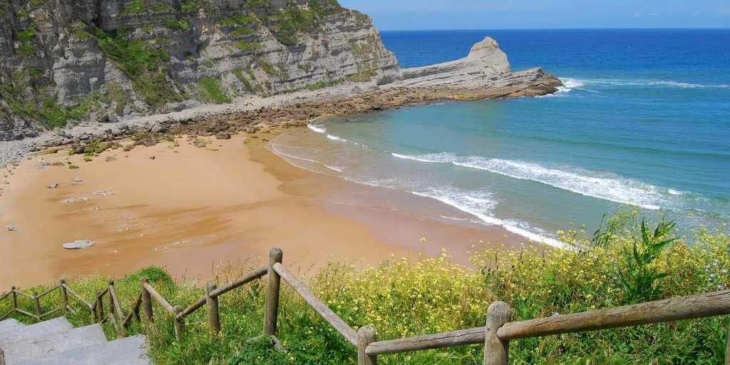 Wandern in Spanien - Jakobswege entdecken und kontrastreiche Inseln erleben