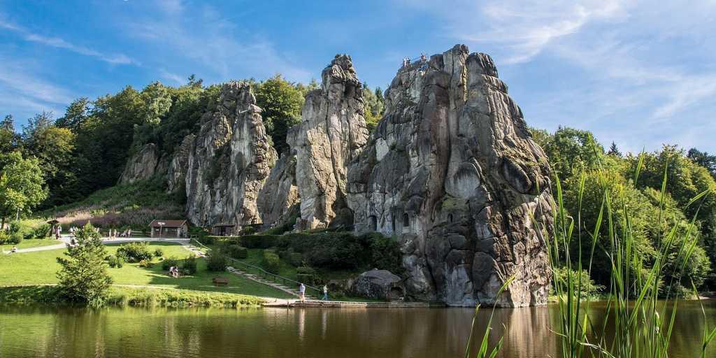 Wandern im Teutoburger Wald - Die Hermannshöhen zu Fuß entdecken.