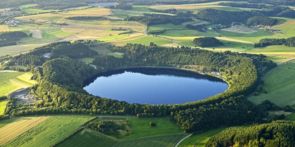 Eifel: Geführte Wandertour: Die Vulkaneifel - Berge, Burgen und Basalt