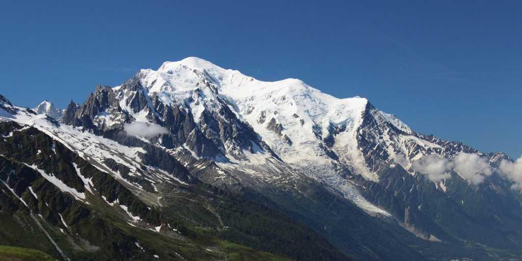 Mont Blanc: Individuell wandern rund um das Herz der Alpen ohne Gepäck