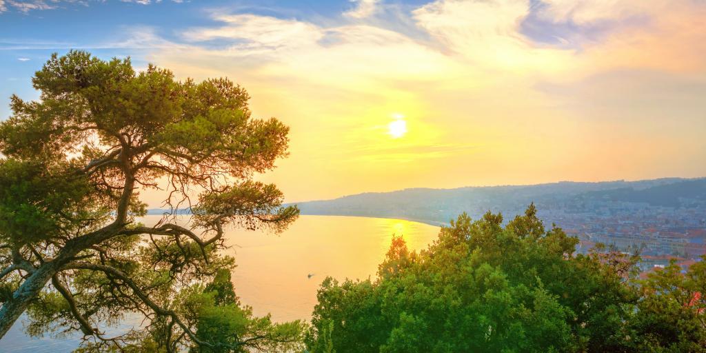 Côte d'Azur: Individuell wandern ohne Gepäck - Die leuchtende Küste Südfrankreichs