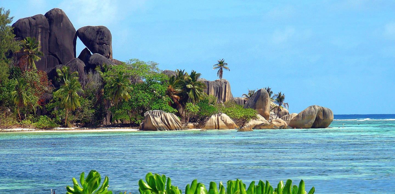 Traumziel Seychellen: Wandern, Radeln & Baden