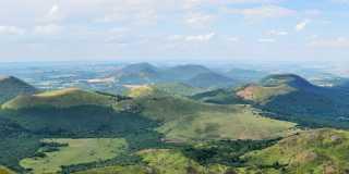 Wandern in der Auvergne - Das grüne Herz Frankreichs erleben